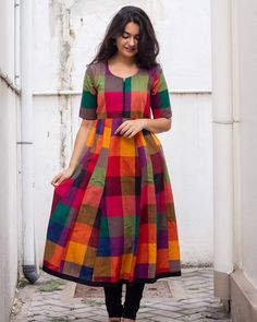 You Can Now Shop Stylish Ethnic Kurtha/Kurti Here Get the cooler designs of this season. Long Dress Design, Dress Neck Designs, Chudithar Neck Designs, Simple Kurti Designs, Kurta Designs Women, Salwar Designs, Indian Designer Outfits, Designer Dresses, Designer Wear