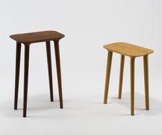 キッチンで使うことを考慮し、腰かけるだけでなく、ちょっとものを置くのに便利なよう座はフラットに仕上げられているチェアです。徳島県にある宮崎椅子製作所。「日本でつくる」ことを意識しながら製作に取り組んで…