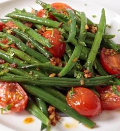 This Green Beans & Tomato Salad is tasty and refreshing. I love it! #greenbeansalad #tomatosalad