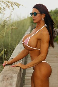 big boobs Fitnesstrainer
