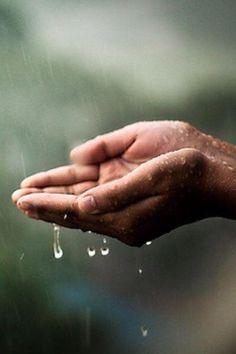 #Rituals #Rain Go Gently λένε οι Άγγλοι Χαλαρά λένε στη Θεσσαλονίκη   Πόσο όμορφη συμβουλή για να απολαύσεις τη βροχή αυτό το φθινόπωρο... Δεν θέλει βιασύνες η βροχή...