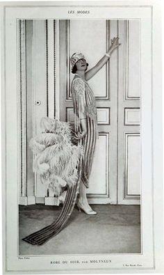 Evening dress by Molyneux, 'Les Modes', October 1921 Retro Mode, Vintage Mode, Retro Vintage, Paris Vintage, Foto Fashion, Fashion History, Art Deco Fashion, Paris Fashion, 1920s Flapper