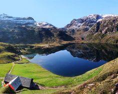 Murgseen Rundtour - Wanderland Lake Mountain, Mountain Hiking, Best Hiking Boots, Wanderland, Lokal, Pine Forest, Round Trip, Nature Reserve, Public Transport