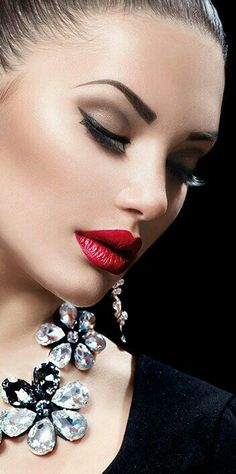 # BEAUTY & GLAMOUR Inna Erten