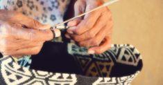 wayuu how its made Look Boho, Boho Bags, Tapestry Crochet, Handmade, Portal, Youtube, Baskets, Style, Ideas