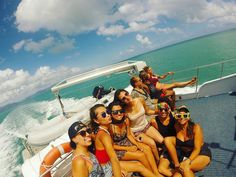Went diving in the Great Barrier Reef  With my lovely Colombian babies  #greatbarrierreef #diving #scuba #scubadiving #ontheboat #Australia #dayoff #cairns #colombia #loveyouguys #farmlife #sunkissed #sea #beach by _meeeeeegi_ http://ift.tt/1UokkV2
