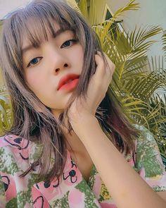 Lisa Blackpink Wallpaper, Cute Wallpaper Backgrounds, Cute Wallpapers, Blackpink Photos, Cute Photos, Kpop Girl Groups, Kpop Girls, Yandere, Korean Girl Band