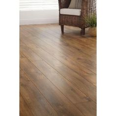 Pergo Outlast Vintage Tobacco Oak 10 Mm Thick X 7 1 2 In