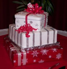 Christmas Gifts Wedding Cake