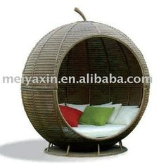 Cool egg chair, need to have this once I get a bigger place