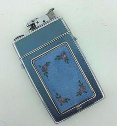 Vintage EVANS compact/cigarette holder and lighter combo with floral pattern-NR!