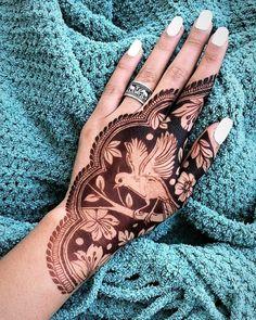 94 Easy Mehndi Designs For Your Gorgeous Henna Look Henna Mehndi, Mehndi Tattoo, Henna Tattoo Designs, Henna Art, Easy Mehndi, Indian Henna, Henna Tattoos, Peacock Mehndi, Henna Designs