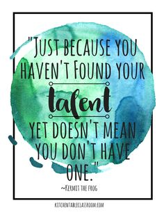 Quotes Discover Growth Mindset Quotes These free watercolor growth mindset quotes for kids are a great reminder to keep trying! Growth quotes perfect for encouraging growth mindset for kids! Motivation Positive, Positive Mindset, Positive Quotes, Inspirational Quotes For Kids, Motivational Quotes For Students, Inspirational Videos For Students, Classroom Quotes, Teacher Quotes, Quotes To Live By