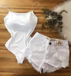 Pin by Shrina Sanchez on white in 2019 Casual School Outfits, Outfits For Teens, Girl Outfits, Cute Outfits, Fashion Outfits, Fashion Trends, Girl Fashion, Fashion Looks, Womens Fashion
