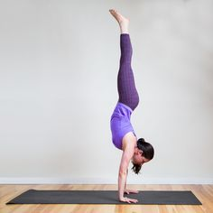 Learn how to do a Handstand in 8 moves
