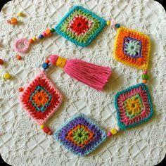 *****This listing is for a PDF crochet pattern NOT a finished item.***** A hangi - Bilder Club - - *****This listing is for a PDF crochet pattern NOT a finished item.***** A hangi - Bilder Club Crochet Bunting, Crochet Garland, Crochet Flowers, Crochet Home, Crochet Granny, Crochet Baby, Knit Crochet, Crochet Stitches, Boho Diy