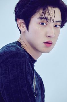 EXO released gorgeous photos of Baekhyun and Chanyeol for 'Love Shot.''Love Shot' is the SM Entetainment boy group's repackage album. Kpop Exo, Baekhyun Chanyeol, Exo Kai, Lay Exo, Kokobop Exo, Kaisoo, Exo Ot12, Shinee, Korea