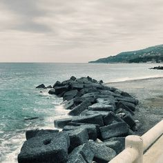 Summer?Where is summer?Goodmorning. #unangeloinviaggio  Edit with @vscoG3  #buongiorno #goodmorning #italy #italia #calabria #photo #volgocosenza #photography #likes_cosenza #calabriadaamare #followme #seguitemi #sud #verso_sud #landscape #landscapephotography #landscape_captures #landscape_lovers #landscape_calabria #amazing #awesome #travel #traveling #nature #sea #bestoftheday #photooftheday