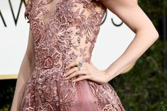 Lily Collins shows up to the Golden Globes red carpet rocking a rose-covered dress by Zuhair Murad. Lily Collins Golden Globes 2017, Golden Globe Awards 2017, Most Beautiful Dresses, Teen Vogue, Dream Dress, Dress Up, Gowns, Couture, Formal Dresses