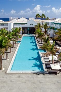 Enjoy the light and peaceful nature of Lanzarote at the #BarcelóTeguiseBeach - Adults Only, a fully refurbished hotel on the Costa Teguise seafront. Relax in the hot tub available in most of the 305 rooms, and enjoy plenty of other activities. Discover what's in store by clicking on the pin! #WeddingLocations #WeddingTypes #AdultsOnlyHotels #Lanzarote On The Beach, Wedding Types, Beach Hotels, Adults Only, Wedding Locations, Paradise, Relax, Rooms, Activities