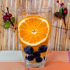Sweet blueberries and tart orange is a fantastic combination of flavours and colours! Orange Wheels, Drinking Jars, Infused Waters, Pomegranate Seeds, Lemon Lime, Fresh Ginger, Blueberries, Tart, Detox