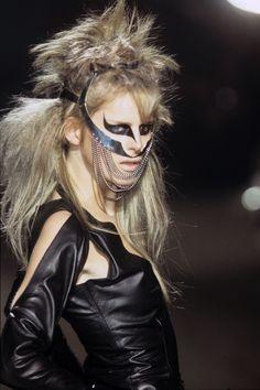 Alexander McQueen Fall 1997 Ready-to-Wear Accessories Photos - Vogue