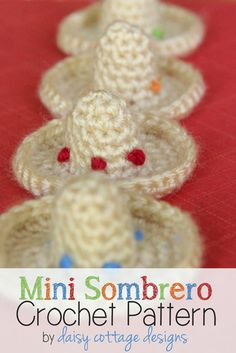 This mini sombrero crochet pattern is perfect for Cinco de Mayo. Attach one to a key chain, make a string of them into a bunting, or use them as table decorations at your next fiesta. These little hats are super simple and quick to make. Want to whip some up for your celebration tonight? You have plenty of time.