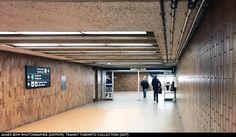 Brutalist, Track Lighting, Garage Doors, Ceiling Lights, Architecture, Outdoor Decor, Arquitetura, Outdoor Ceiling Lights, Architecture Design