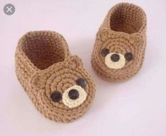 How to Make Crochet Baby Clothes: Step by Step Photo .- Como Fazer Roupas de Bebê de Crochê: Passo a Passos Fotos Booties Crochet, Crochet Slippers, Baby Booties, Knit Crochet, Baby Sandals, Crochet Baby Clothes, Crochet Baby Shoes, Crochet For Boys, Crochet Crafts