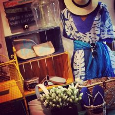 #Mandarinahome #mandarina #complementos #summerline #gorro #poncho #playa #beach #chancla #tendencia #complemento #verano #verano2015 #peace #bolso ##azul #necesser #regalo #estilo #moda #decoración #mueble #chic