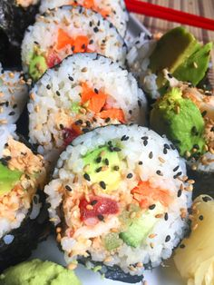 If you're a vegan and looking for sushi recipes to make, you'll love this list of 17 vegan sushi recipes. Vegetarian Sushi Rolls, Healthy Sushi, Vegetarian Recipes, California Roll Sushi, California Rolls, Tempura, Vegan Foods, Vegan Dishes, Sushi Fillings