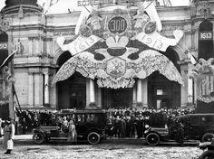 Nicholas car arrives at 300th Anniversary celebrations - 1913.
