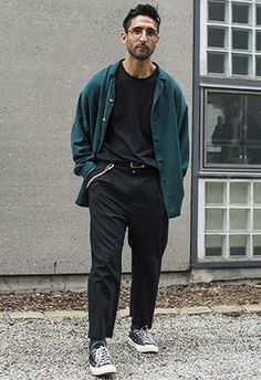 "Wide legged trousers represent a pendulum swing in men's fashion. Trousers have gotten as slim as they could be, with styles from various companies name ""extreme skinny."" However, early adopters are wearing wider legged trousers because they wish to be comfortable. One can predict that just as quickly as sales got slimmer and slimmer, that they will now begin to get wider and wider."