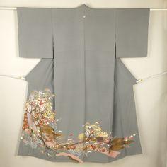 Gray houmongi kimono / 【訪問着】特選品/グレー地 熨斗と御所車文様古典柄 一つ紋付訪問着