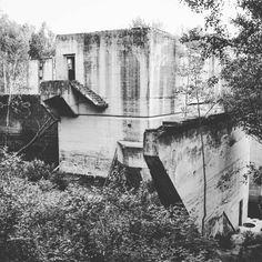#bunkiernasobotę #bunkry #śluza #Mamerki #Leśniewo #KanałMazurski #czarnobiałe #bunker #fortification #neirawypełzaznory