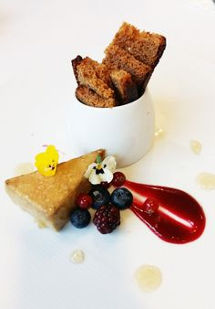 Terrina de mi-cuit, gelatina de vi dolç  http://www.cett.es/aularestaurant/