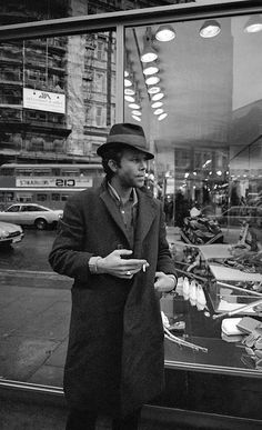 THE DAY BELLOWS MET SARA Tom Waits.  I will never stop loving this man and his voice.