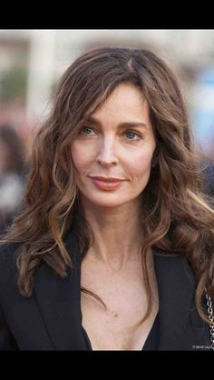 Stay up to date on Anne Parillaud and track Anne Parillaud in pictures and the press. Jean Michel Jarre, Luc Besson, Earth Goddess, The Most Beautiful Girl, Perfect Woman, Feminine, Culture, Actresses, Stylish