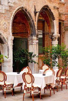 Italy : Outdoor Cafe in Venice #Italy #Venice