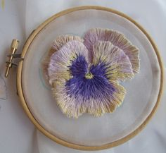 Embroidering a Pansy in 3 dimensions | Janet Haigh : Her Work