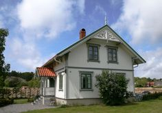 Sveitserhus (jugend stil) Scandinavian Cottage, Home Fashion, Villa, Cabin, Mansions, House Styles, Photography, Home Decor, Photo Illustration