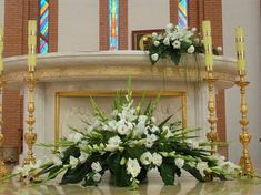 Selecting The Flower Arrangement For Church Weddings – Bridezilla Flowers Alter Flowers, Church Flowers, Funeral Flowers, White Flowers, Easter Flower Arrangements, Funeral Flower Arrangements, Beautiful Flower Arrangements, Church Wedding Decorations, Altar Decorations