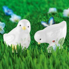 Butterfly Meadow® Chick Salt & Pepper Shaker Set by Lenox  |  Butterfly Meadow® Chick Salt & Pepper Shaker Set by Lenox One chick's looking sideways, the other is looking down - and both are adorable additions to your table. The miniature sculptures, decorated with floral accents that evoke the beauty of butterfly meadows, are actually salt and pepper shakers. They make a great gift for springtime and all year round.