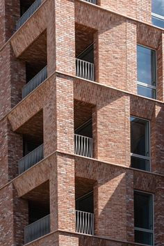 Brick Discover Gallery MBH PLC Gallery - The UKs largest producer of hand made and machine bricks and pavers. Architecture Design, Residential Architecture, Contemporary Architecture, Brick Design, Facade Design, Exterior Design, Bauhaus, Building Facade, Building Design