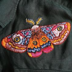 Tambour Embroidery, Embroidery Thread, Cross Stitch Embroidery, Machine Embroidery, Creative Embroidery, Embroidery Designs, Fiber Art Quilts, Bug Art, Contemporary Embroidery