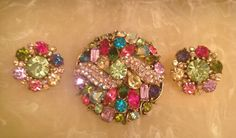 VINTAGE SIGNED HOLLYCRAFT PASTEL SET BROOCH & EARRINGS COVERED WITH RHINESTONES | eBay