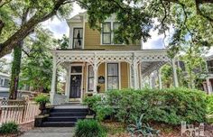 1896 Charming Historic Downtown Victorian