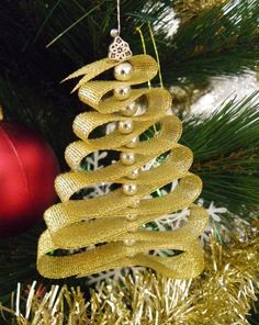 Ribbon Christmas tree ornament - Easy how to instructions