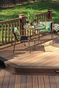 TimberTech Earthwoods Evolutions Legacy decking in Tigerwood with Mocha accents.