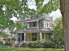 1896 Queen Anne, Mansfield, OH (George F. Barber) - Old House Dreams
